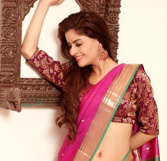 vidya balan hot saree
