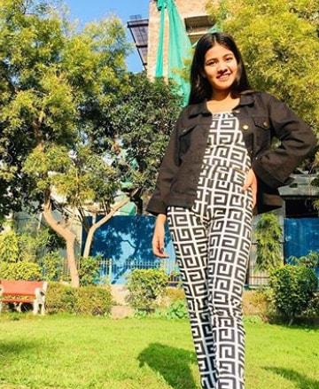 Ashima Saxena Hot images