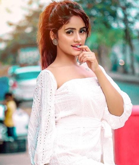Nisha Guragain Hot Pics