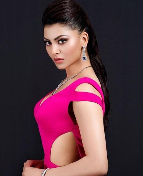 Urvashi Rautela Hot Pic