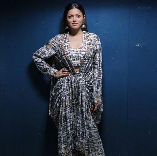 Drashti Dhami Biography
